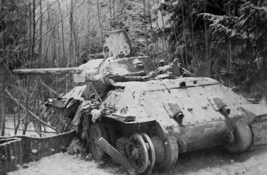 T-34 tank winter 18