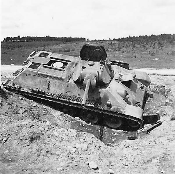 Abandoned T-34 tank 7