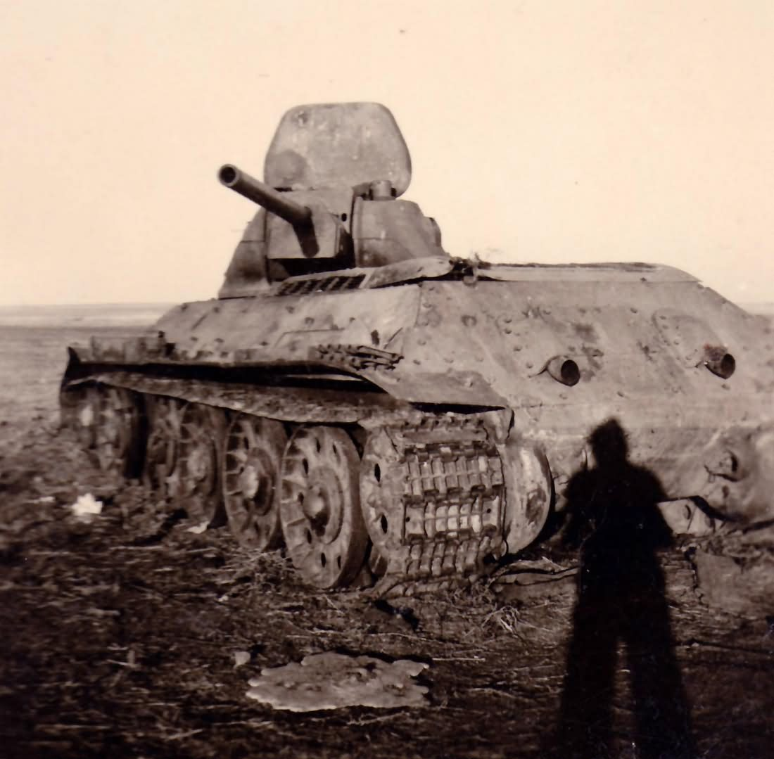 destroyed T-34 tank 4