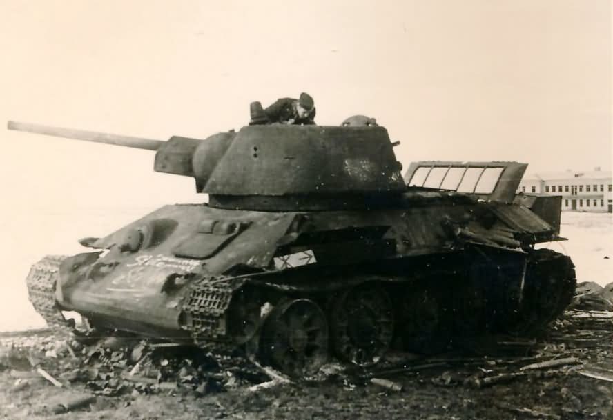 T-34 tank with hexagonal turret, zavod 183