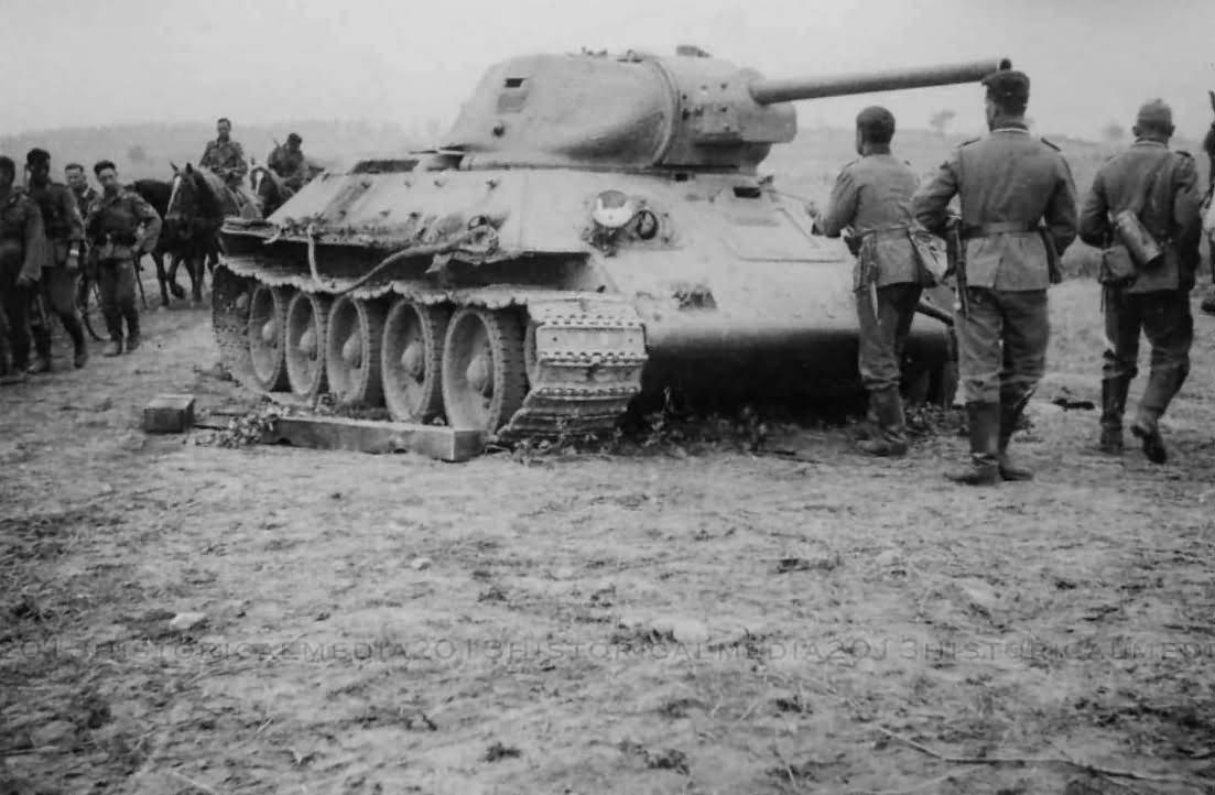 abandoned soviet tank T-34/76 mod 1941 2