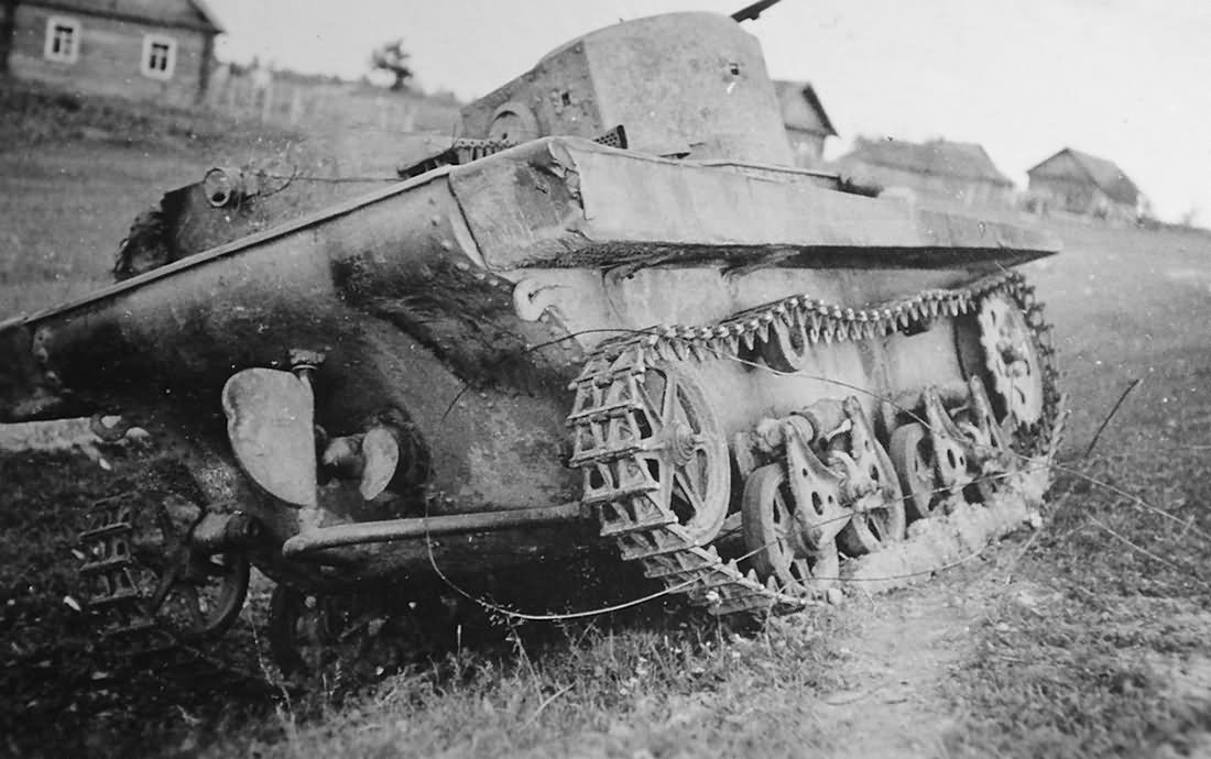 T-37 tank   World War Photos