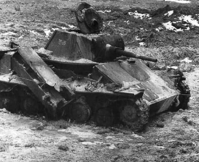 Destroyed T-70 tank 1