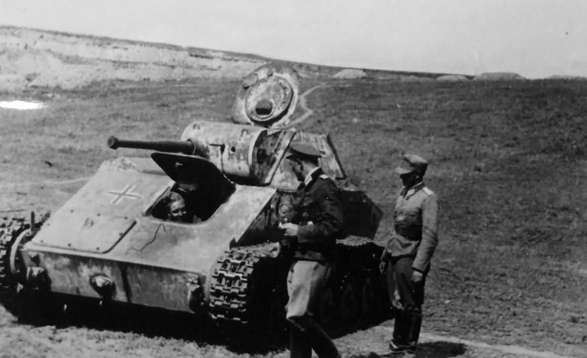 T-70 captured soviet light tank – beute tank with balkenkreuz